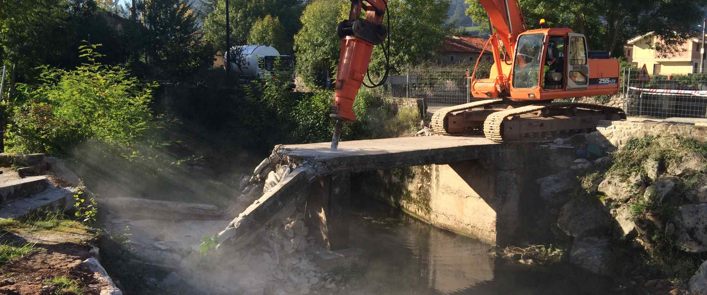Demolición del puente actual